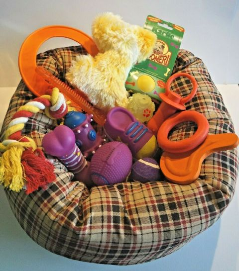 PUPPY STARTER SET WITH PLUMP TARTAN CUSHION BED AND 14 FANTASTIC PUPPY TOYS